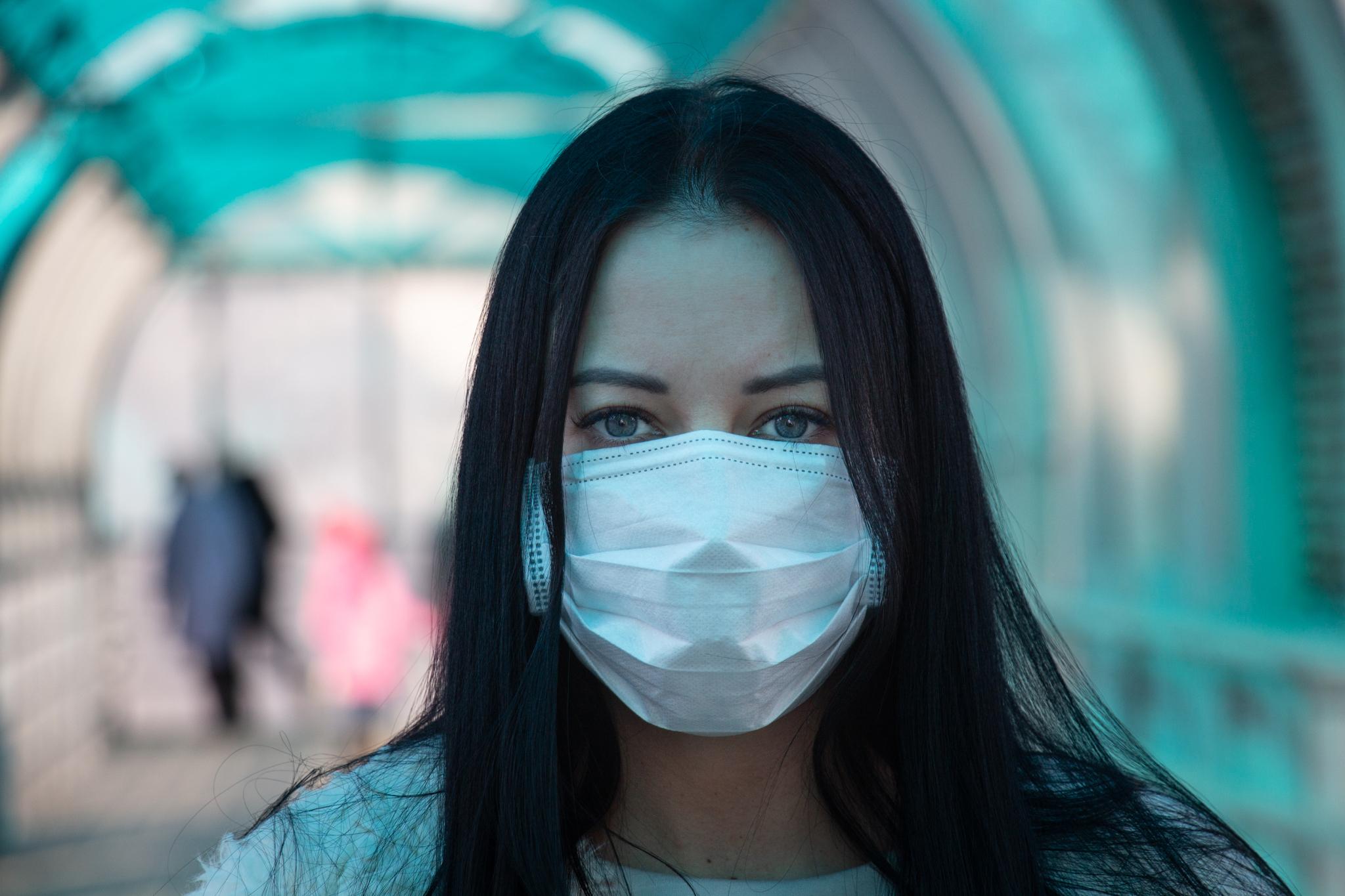 La pandemia de la COVID-19 se ceba con los más jóvenes